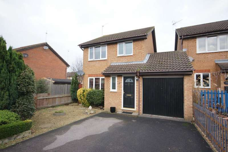3 Bedrooms Link Detached House for sale in Mornington Road, WHITEHILL, Hampshire