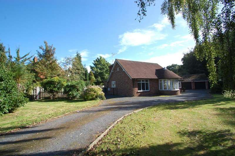 3 Bedrooms Detached Bungalow for sale in Norwich Road, Wroxham