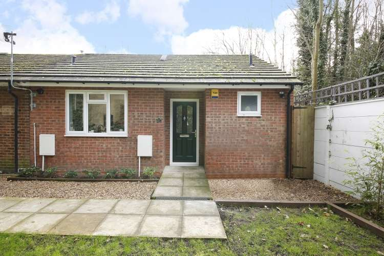 1 Bedroom End Of Terrace House for sale in Hervey Road Kidbrooke SE3