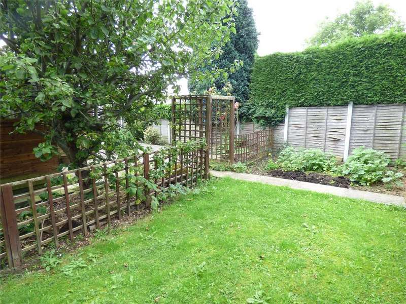 2 Bedrooms Semi Detached Bungalow for sale in Woodlands Crescent, Gomersal, BD19