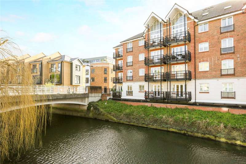 2 Bedrooms Flat for sale in Dorey House, Brentford, TW8