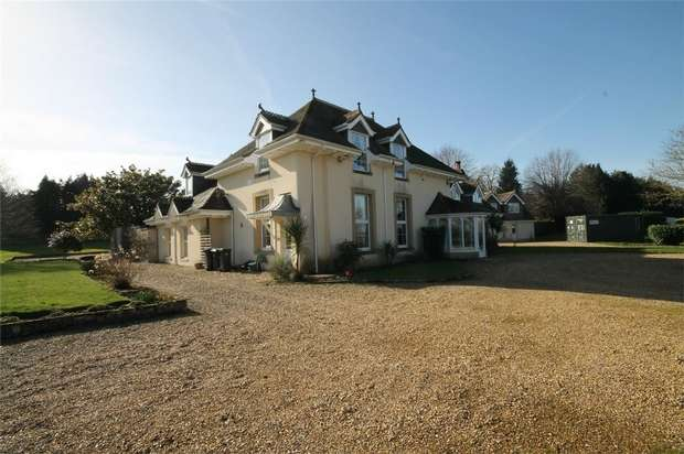 4 Bedrooms Detached House for sale in Sturminster Marshall, Wimborne, Dorset