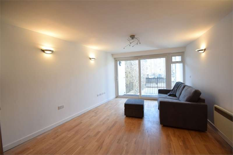 2 Bedrooms Flat for sale in Hatcham Park Mews, New Cross