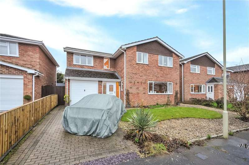 6 Bedrooms Detached House for sale in Pelham Close, Old Basing, Basingstoke, RG24