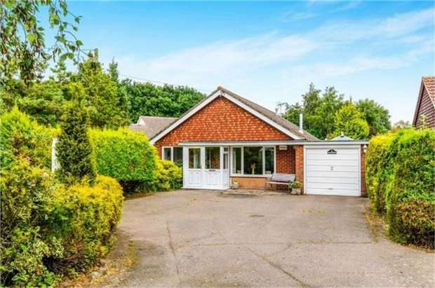 3 Bedrooms Detached Bungalow for sale in London Road, Dunkirk, Faversham, Kent