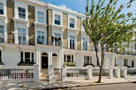 3 Bedrooms Terraced House for sale in Redcliffe Road, Chelsea,, London, SW10