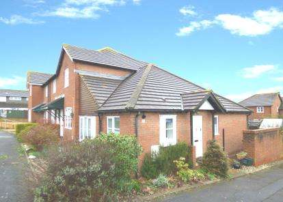 2 Bedrooms Bungalow for sale in Broadclyst, Exeter, Devon