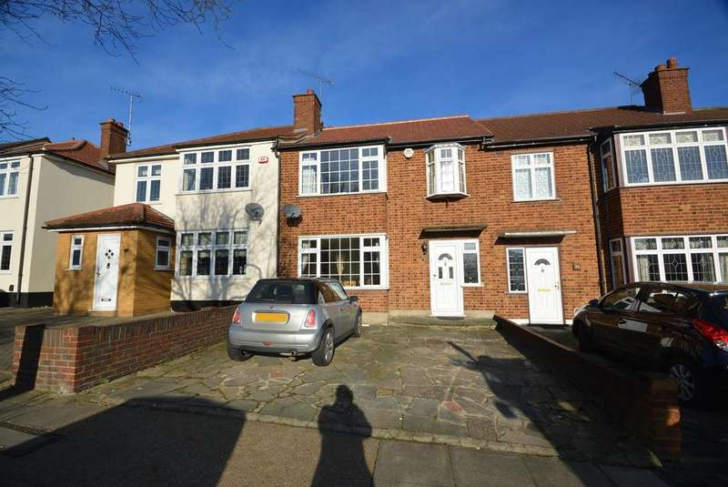 3 Bedrooms Terraced House for sale in The Ridgeway, Gidea Park, Romford, RM2