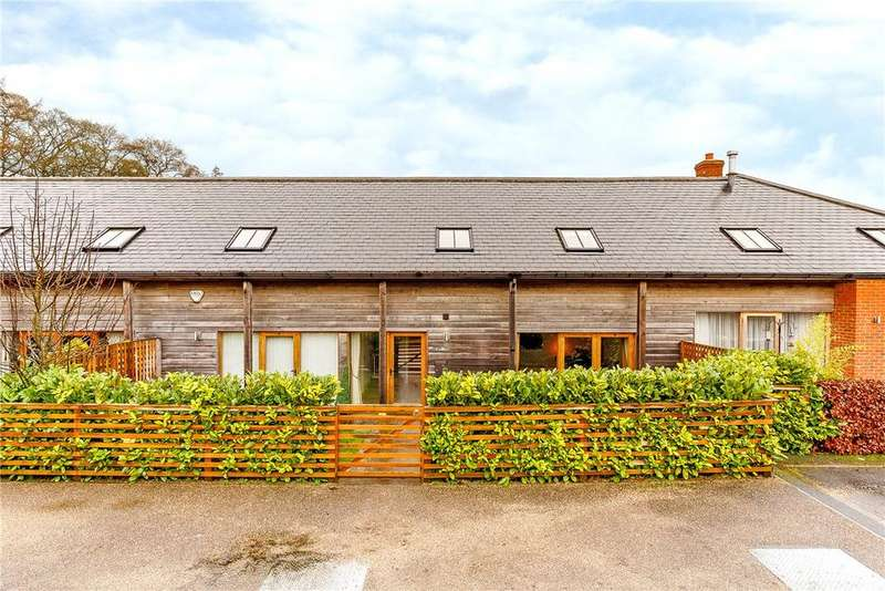4 Bedrooms House for sale in Burderop Barns, Burderop, Swindon, Wiltshire, SN4