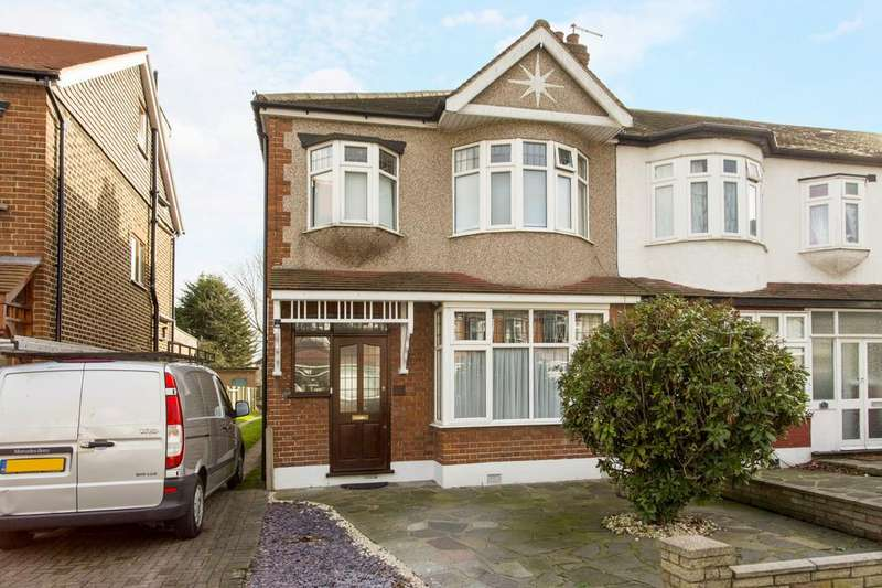 3 Bedrooms Semi Detached House for sale in Woodfield Drive, Gidea Park, RM2