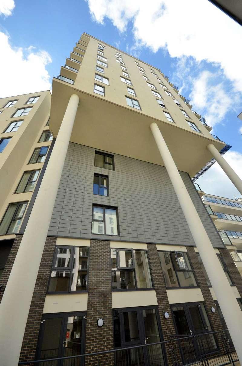 1 Bedroom Flat for sale in Olympian Heights, Woking, GU22