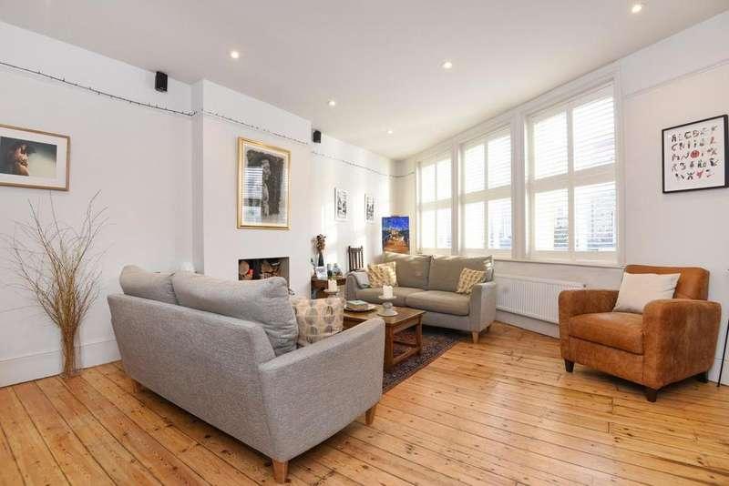 2 Bedrooms Flat for sale in Battersea Rise, Battersea, SW11