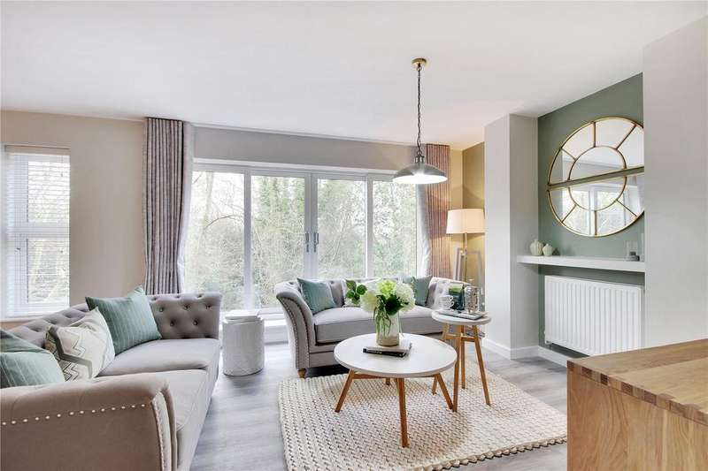3 Bedrooms Flat for sale in Burnside Court, Sandhurst Road, Tunbridge Wells, Kent, TN2