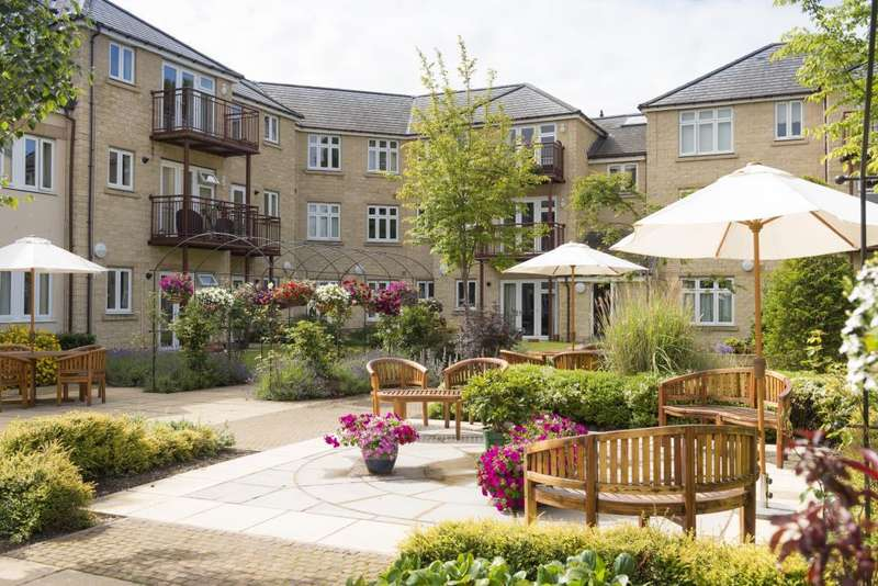 2 Bedrooms Apartment Flat for sale in 11, The Laureates, Shakespeare Road, Guiseley, Leeds