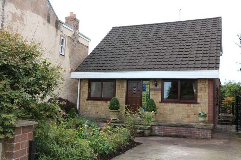 3 Bedrooms Detached House for sale in Top Road, Summerhill, Wrexham, LL11