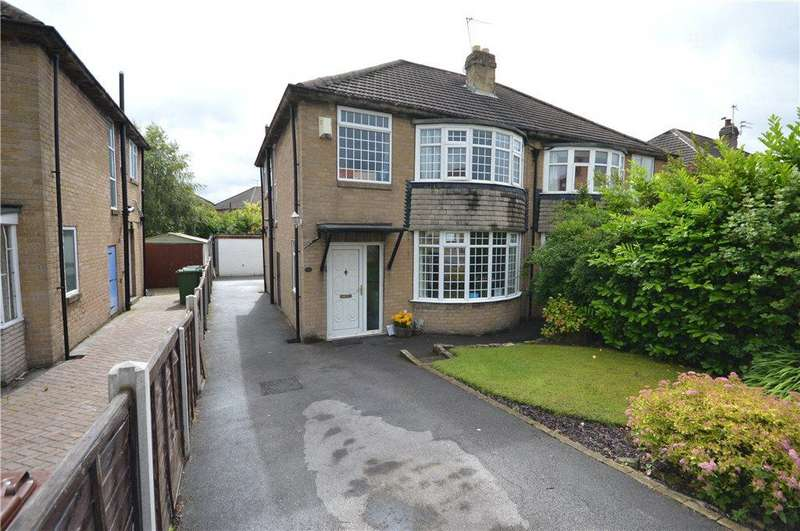 3 Bedrooms Semi Detached House for sale in Carr Manor Road, Moortown, Leeds