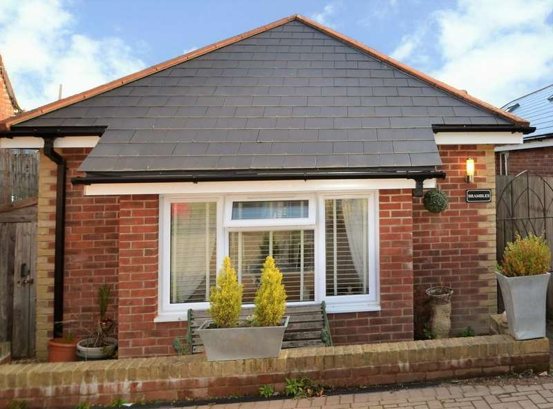 2 Bedrooms Detached Bungalow for sale in Red Road, Wootton Bridge