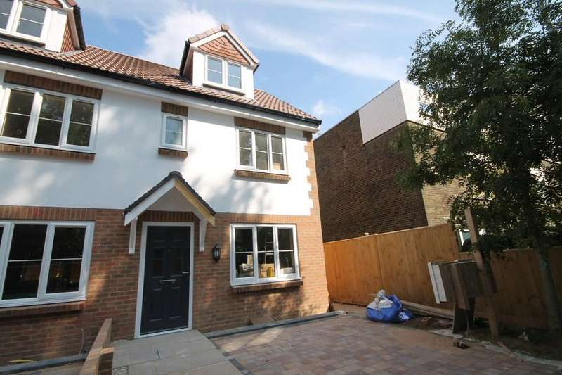3 Bedrooms End Of Terrace House for sale in Mulberry Gardens, Goring-by-sea, Worthing BN12 4NU
