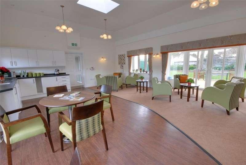 2 Bedrooms Retirement Property for sale in Acacia Court, Tweentown, CHEDDAR, Somerset, BS27