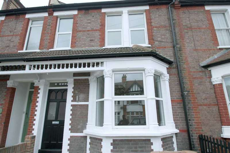 4 Bedrooms Terraced House for sale in Heath Road, HARROW