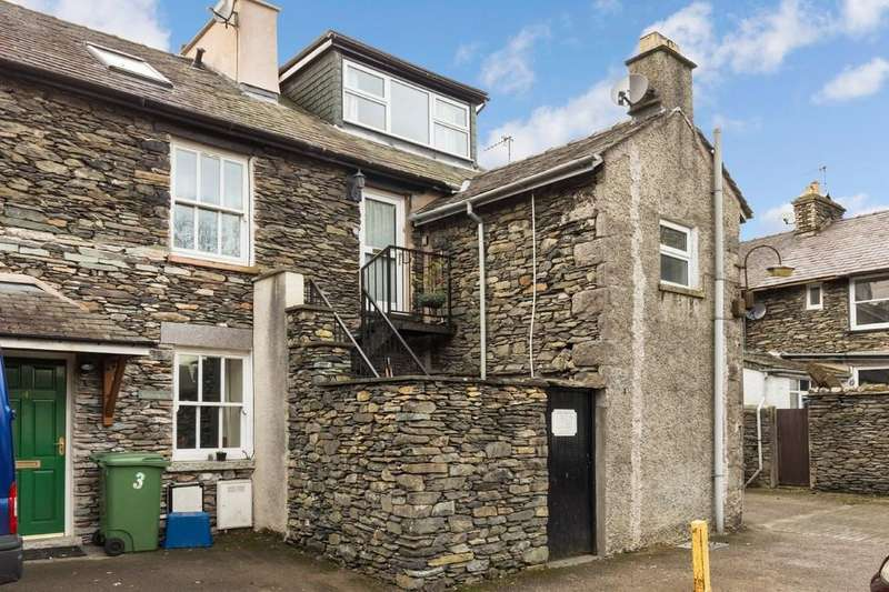 2 Bedrooms Apartment Flat for sale in The Cottage Flat, 15 Derby Square, Windermere, Cumbria, LA23 1EE