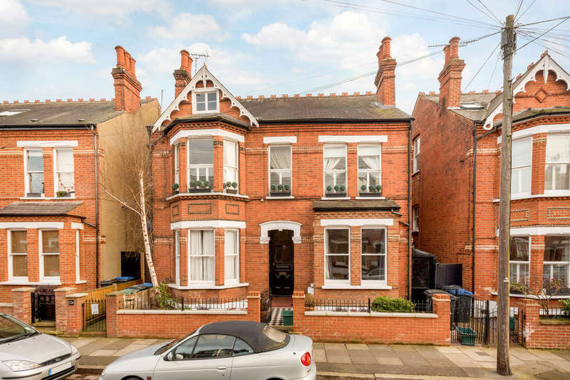 4 Bedrooms Maisonette Flat for sale in Brunswick Road, Kingston upon Thames, KT2
