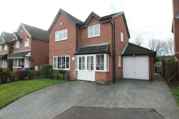 3 Bedrooms Detached House for sale in Carnegie Close, Sale