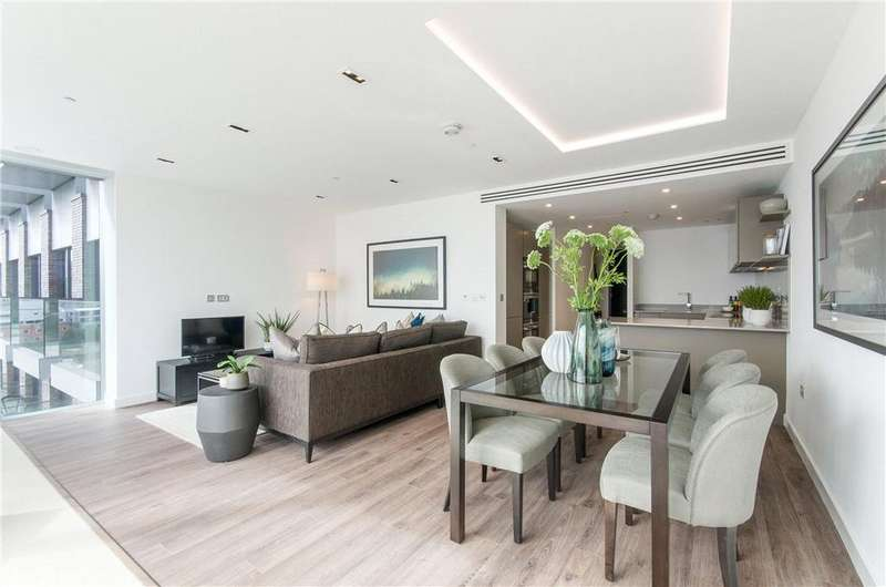 3 Bedrooms Flat for sale in Satin House, 15 Piazza Walk, Aldgate, London, E1