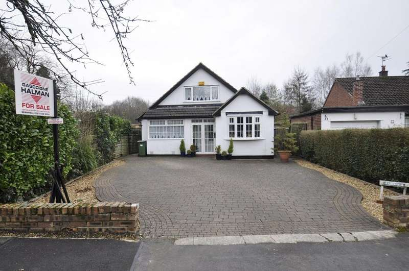 4 Bedrooms Detached Bungalow for sale in Ladybarn Crescent, Bramhall