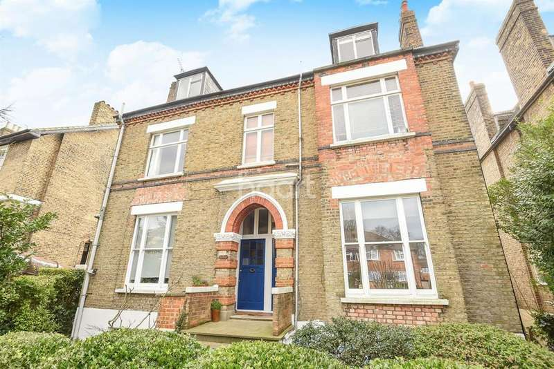 Studio Flat for sale in Anerley Park, Anerley, SE20