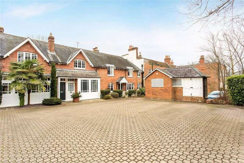 4 Bedrooms Unique Property for sale in Barkham Manor, Barkham, Wokingham, RG41