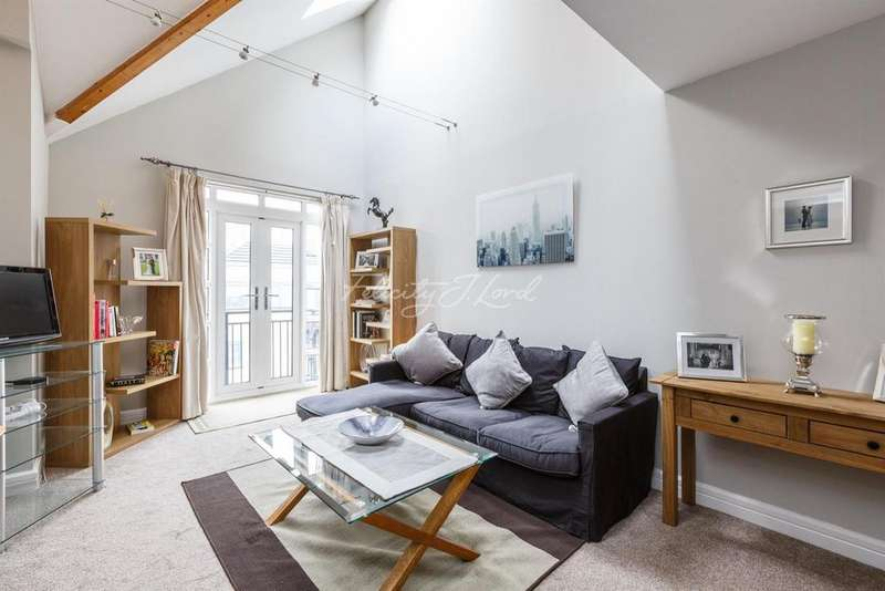2 Bedrooms Flat for sale in Equity Square, Brick Lane, E2