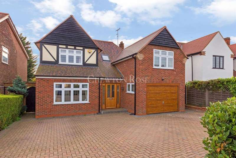 4 Bedrooms Detached House for sale in CHIGWELL