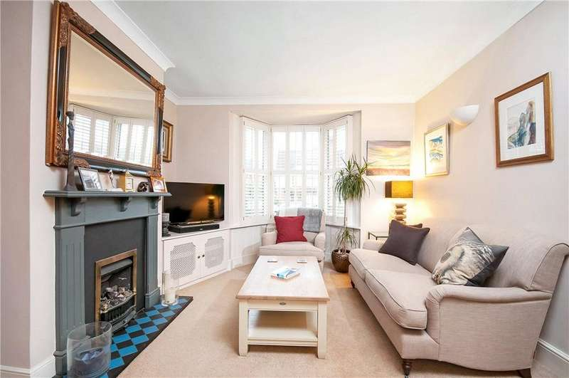 3 Bedrooms Terraced House for sale in Cheriton Road, Winchester, Hampshire, SO22