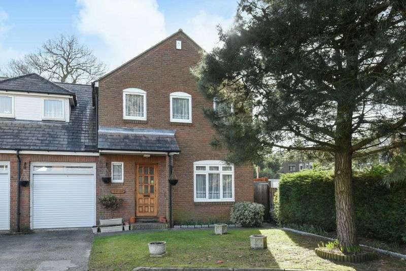 4 Bedrooms Semi Detached House for sale in Falcon Close, Northwood