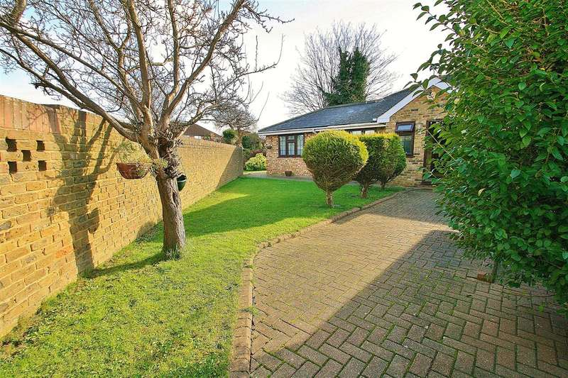 5 Bedrooms Detached Bungalow for sale in South Hayes