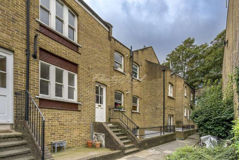 1 Bedroom Flat for sale in Gateway Mews, Shacklewell Lane, E8