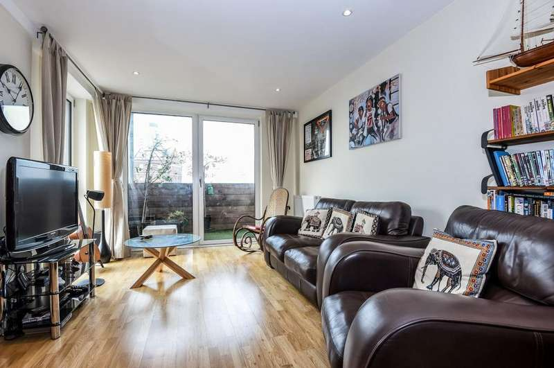 2 Bedrooms Flat for sale in Merryweather Place West Greenwich SE10