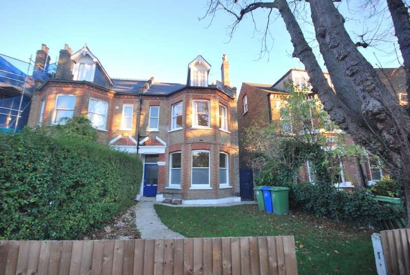 4 Bedrooms Flat for sale in Underhill Road East Dulwich SE22