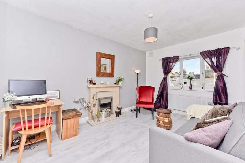 1 Bedroom Flat for sale in The Hammonds, 243-247 Mitcham Road, London SW17