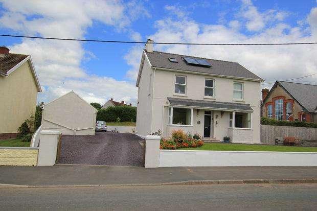 4 Bedrooms Detached House for sale in Meidrim, Carmarthen, Carmarthenshire
