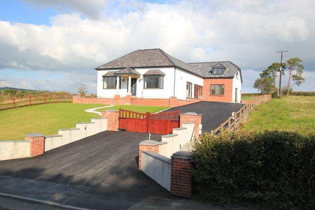 4 Bedrooms Detached House for sale in Capel Dewi, Carmarthen, Carmarthenshire