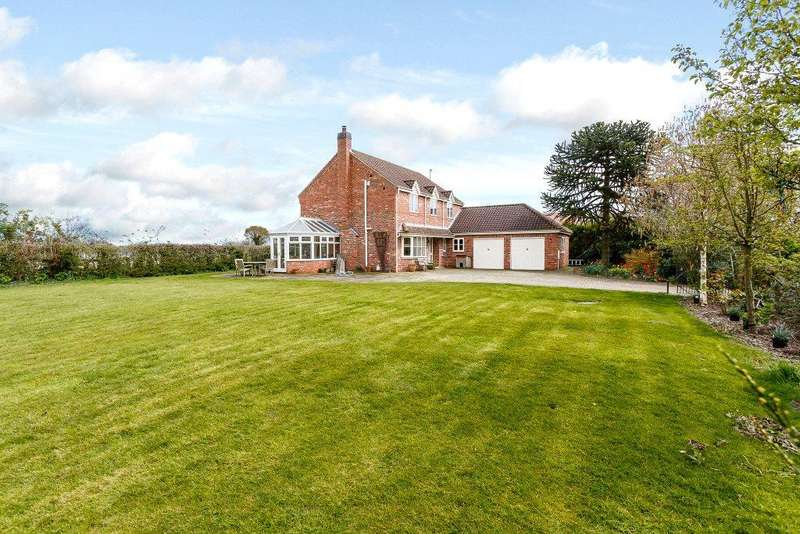 4 Bedrooms Detached House for sale in Draycotts, Acaster Selby, York, YO23