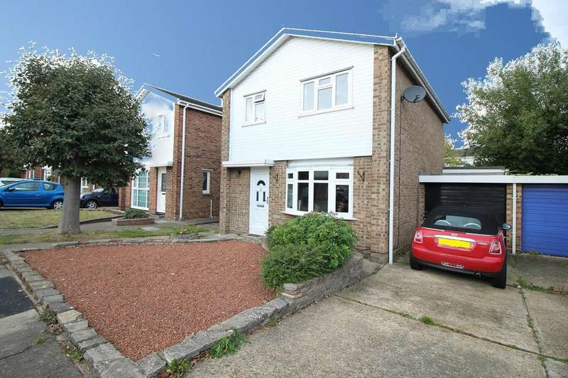 3 Bedrooms Detached House for sale in Wells Road, Colchester, Essex, CO1