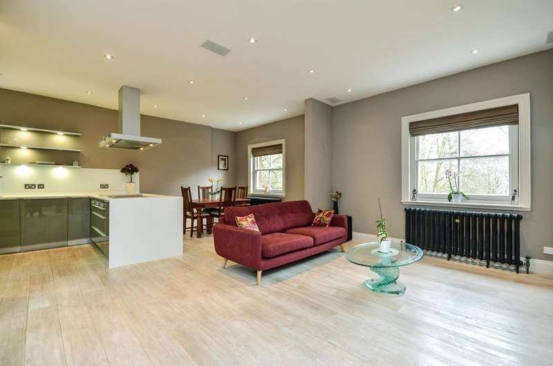 3 Bedrooms Flat for sale in Daphne Court, Hampstead, NW3