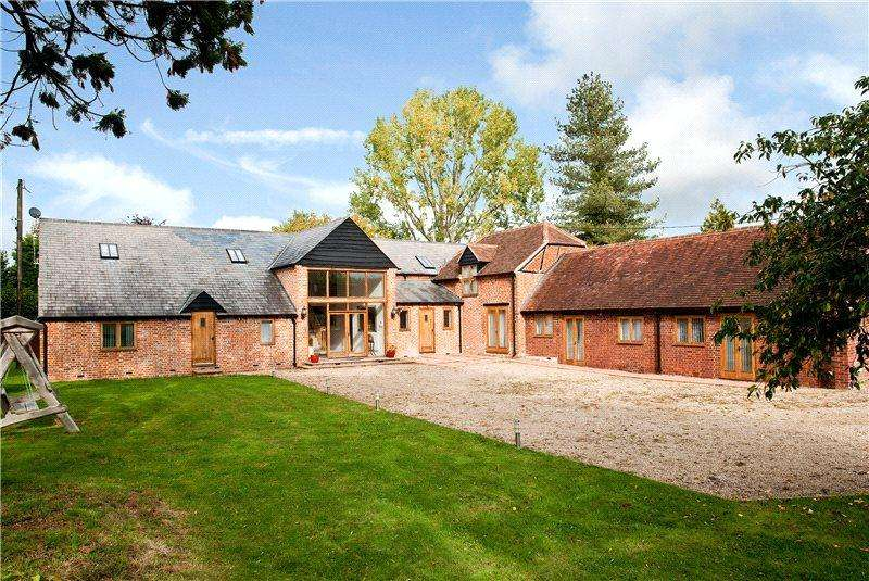 5 Bedrooms Detached House for sale in Sheepcote Lane, Paley Street, Berkshire, SL6