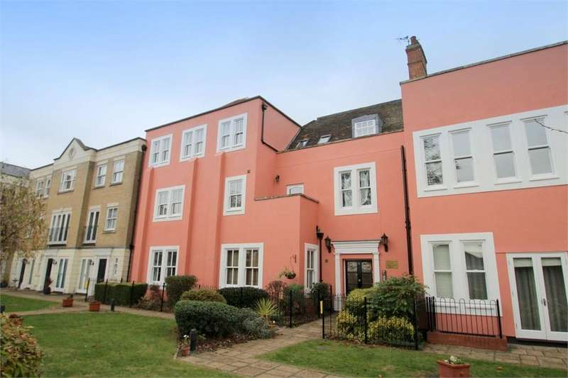 2 Bedrooms Flat for sale in Hillsleigh Mews, East Hill, COLCHESTER, Essex