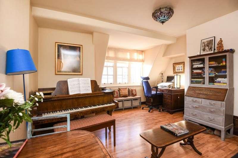2 Bedrooms Flat for sale in Hogarth House, Erasmus Street, SW1P