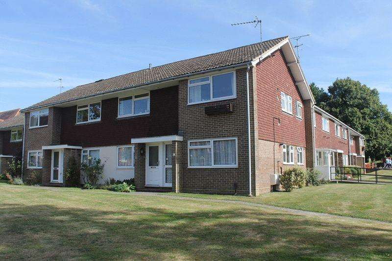 3 Bedrooms Apartment Flat for sale in LEATHERHEAD