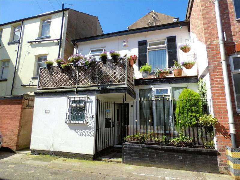 2 Bedrooms Terraced House for sale in Banks Street, Blackpool, Lancashire